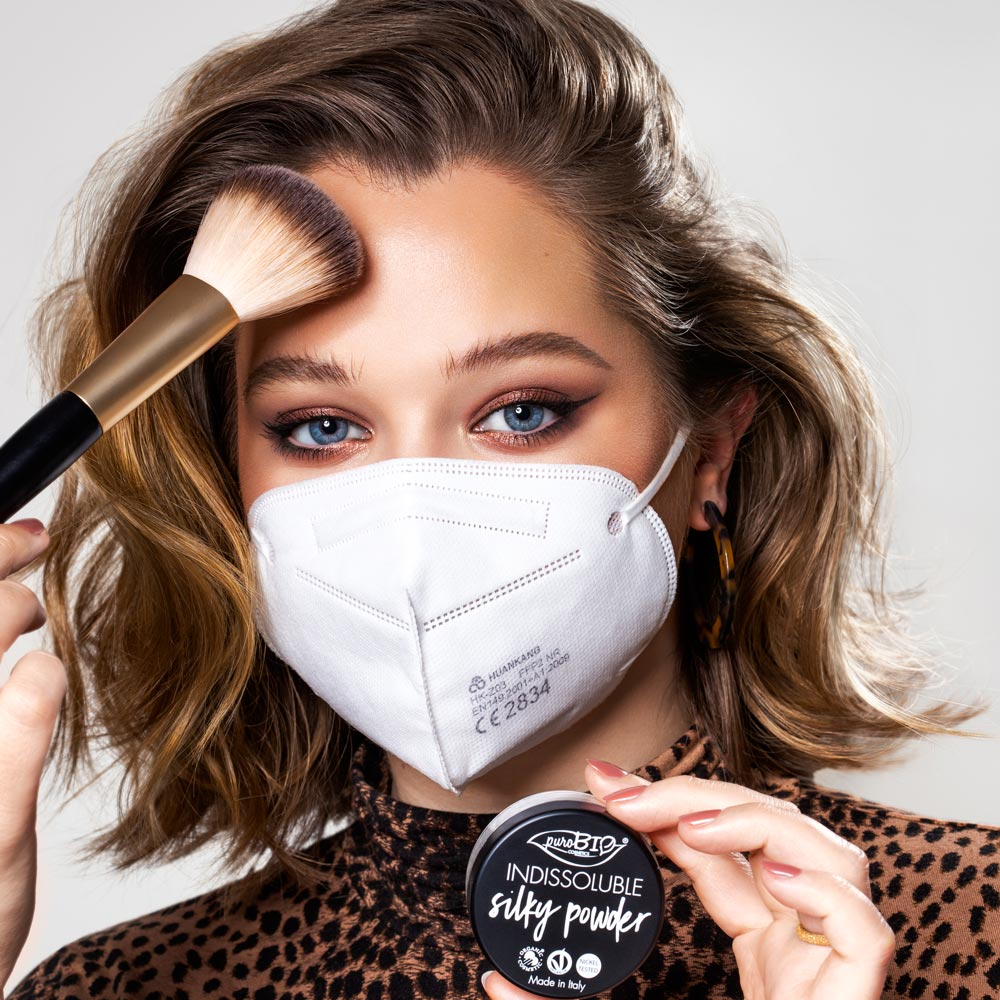 foto-con-mascherina-puroBIO-cosmetics